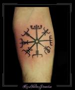 vikings symbool onderarm