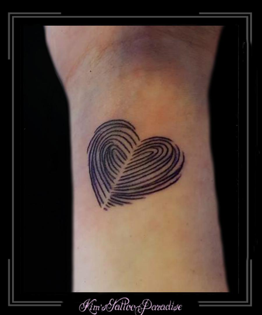 Vingerafdruk Kims Tattoo Paradise