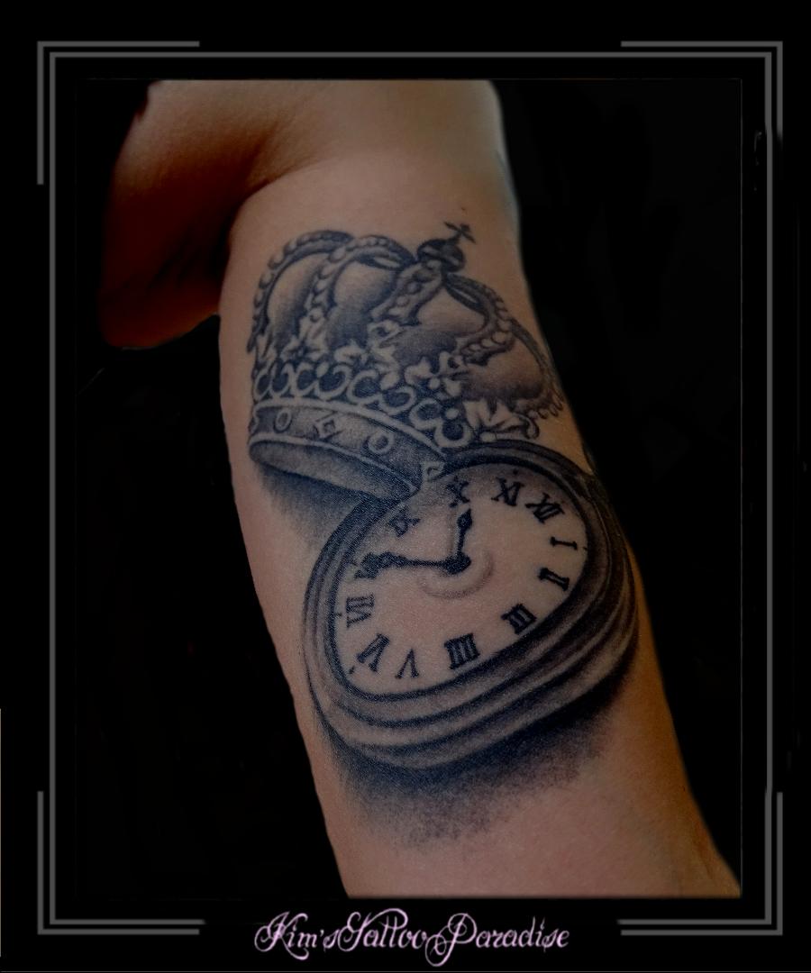tattoo kroon vrouw