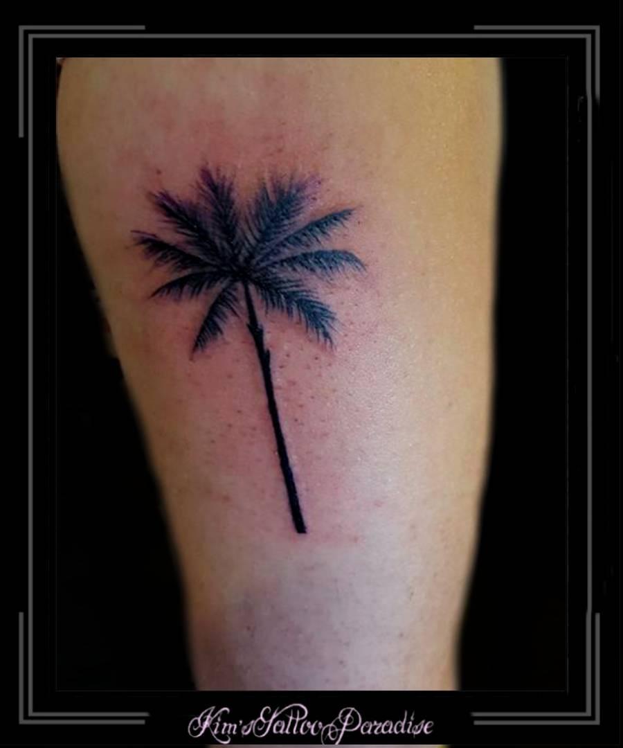Palmboom Bovenarm Kims Tattoo Paradise
