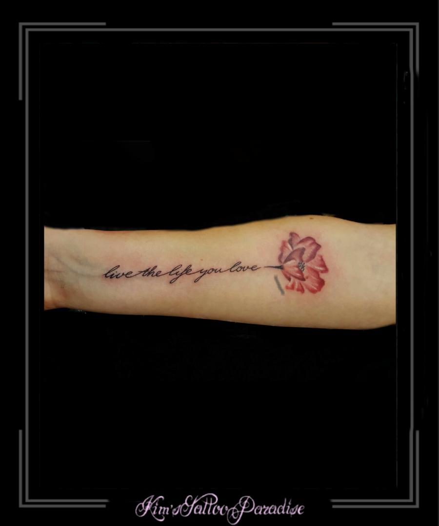 Tekst Bloemen Onderarm Kims Tattoo Paradise