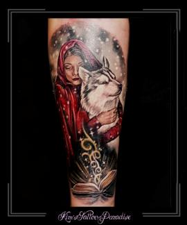 roodkapje wolf sprookjesboek huskey sprookje onderarm